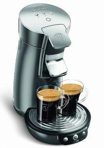 Kaffeepadmaschinen- sind preiswerte Alternativen zu Siebträgermaschinen und können, je nach Pad unterschiedliche Arten von Kaffee kochen. Da das Wasser nur auf 90 Grad Celsius erhitzt wird, können keine Aromastoffe durch den Wasserdampf verfliegen. Es kann jedoch keine Dosierung der Kaffeemenge vorgenommen werden und somit die Stärke der Kaffees nicht reguliert werden.