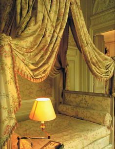 Lit à la Polonaise dressed in floral printed silk, Karl Lagerfeld's apartment in Paris