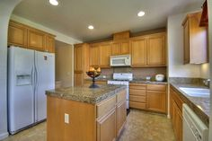 Kitchen http://www.ramamehra.com/2014/06/20/beautiful-move-in-ready-townhouse-available/