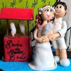 Arte em Biscuit Regiane Carolina: Topo de bolo Bodas de Algodão-Noivinhos
