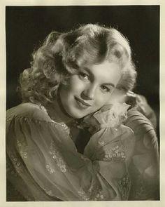 Norma Jeane Baker - Marilyn Monroe (late 1940s)