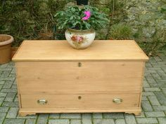A beautiful, restored, large Mid-Victorian mule chest on shaped bracket feet. A sturdy chest, with all round dovetailed construction. Original carrying handles and strap hinges. - Antiques Atlas Antique Pine Furniture, Strap Hinges, Hope Chest, Restoration, Old Things, Victorian, Construction, The Originals, Antiques