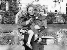 RICHARD ATTENBOROUGH WITH DAUGHTERS JANE AND CHARLOTTE,BRITAIN