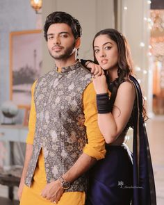 Gratitude post from Roshan! Thank you for loving this pair and making the show top the charts already. Love tree is blooming and journey… Cute Celebrities, Indian Celebrities, Bollywood Celebrities, Bollywood Fashion, Celebs, Indian Tv Actress, Indian Actresses, Indian Designer Outfits, Indian Outfits