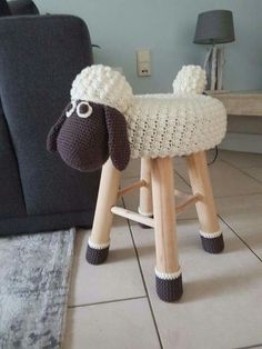 I altered the free shaun the sheep pattern from chanteuse crochet. : I altered the free shaun the sheep pattern from chanteuse crochet. Crochet Gratis, Free Crochet, Knit Crochet, Crochet Sheep Free Pattern, Crochet Cushions, Crochet Home, Crochet For Kids, Knitting Patterns, Crochet Patterns