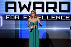 Taylor Swift Photos - 2014 American Music Awards - Press Room - Zimbio