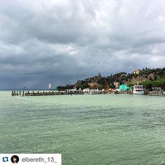 #Repost @elbereth_13_  Calma prima della tempesta #lake #trasimenolake #trasimeno #lago #italia #italy #beforethestorm #porto #harbour #darkclouds #travel #holydays #nature by trasimeno_lake