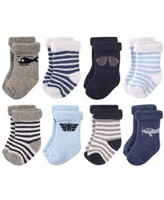 Fashionable and cozy, the Hudson Baby Aviator Terry Rolled Cuff Socks keep your baby's feet warm and comfortable. The adorable socks stay on with a rolled cuff style and feature a gentle, stretch design perfect for your growing baby. Baby Shower Ideas For Girls Themes, Baby Vision, Boys Socks, Boys Accessories, Baby Boy Newborn, Baby Boys, Infant Boys, Baby Feet, Baby Size