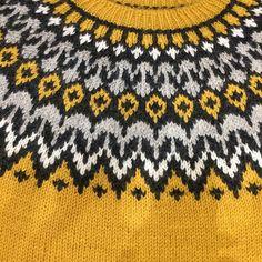 Ravelry: Project Gallery for Riddari pattern by Védís Jónsdóttir Sweater Knitting Patterns, Knitting Stitches, Icelandic Sweaters, Fair Isle Knitting, Knit Fashion, Knitting Projects, Mittens, Knitted Hats, Knit Crochet