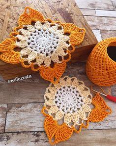 Transcendent Crochet a Solid Granny Square Ideas. Inconceivable Crochet a Solid Granny Square Ideas. Crochet Square Patterns, Crochet Motifs, Crochet Blocks, Crochet Squares, Thread Crochet, Love Crochet, Crochet Granny, Crochet Doilies, Crochet Flowers