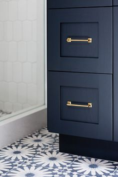 color for kitchen cabinet.  afternoon tea: - A Paradise Cove Retreat -