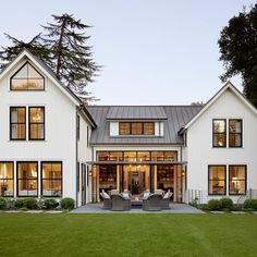"""""""A New Classic"""" is right. @homify featured this classic home with a little modern flare...take a look!  https://www.homify.ca/ideabooks/2669529/new-classic-a-home-with-endearing-charm  : Matthew Millman"""