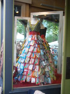 Saw this awesome Candy Wrapper Dress last summer in Traverse City, Michigan. Love it!