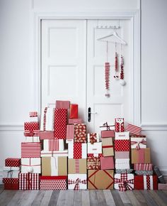 Red, stripes,spots, kraft, white and ribbon.  Karen McCartney's Christmas Countdown – Week 3 — Present week.