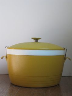 Vintage Therm-o-ware Lidded Casserole