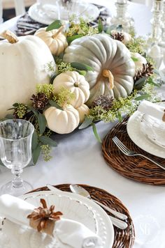 Try these beautiful Thanksgiving table setting ideas, tablescapes, and decorations for your next Thanksgiving! From rustic centerpieces​ to pretty place cards​, there are so many ways to set the Thanksgiving table in style. Fall Table Settings, Thanksgiving Table Settings, Thanksgiving Centerpieces, Thanksgiving Table Decor, Thanksgiving Holiday, Pumpkin Centerpieces, Christmas Tables, Place Settings, Decorating For Thanksgiving