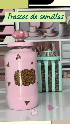 Crafts With Glass Jars, Mason Jar Crafts, Mason Jar Diy, Diy Crafts For Home Decor, Diy Crafts Hacks, Diy Craft Projects, Old Candle Jars, Crafts From Recycled Materials, Mason Jar Centerpieces