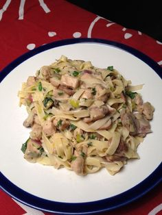 Spagetti Carbonara, Macaroni, Potato Salad, Spaghetti, Curry, Food And Drink, Cabbage, Lunch, Healthy Recipes