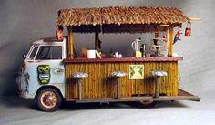 Gotta love a Single Cab, especially when its also a tiki bar! Vw T1, Volkswagen, Canto Bar, Tiki Art, Tiki Tiki, Food Kiosk, Tiki Lounge, Vintage Tiki, Food Truck Design