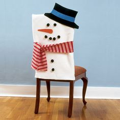 How to make Snowman Chair Covers. So many Cute chair covers! Christmas Snowman, Winter Christmas, Christmas Holidays, Xmas, Snowman Party, Snowman Crafts, Felt Snowman, Snowman Decorations, Christmas Decorations