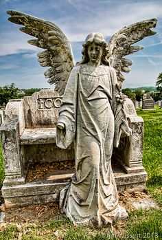 Weathered Angel | It is sad to see such a beautiful piece of… | Flickr