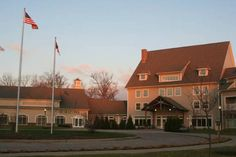 Yes, there are wineries in Ohio! Here's a lakefront lodge in the heart of the wine region.