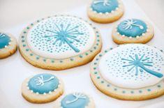 Pretty aqua & white dandelion cookies!
