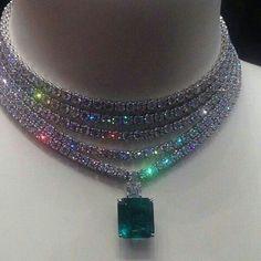 At @mm_mucevhermagazin #diamonds #emeralds #necklaces