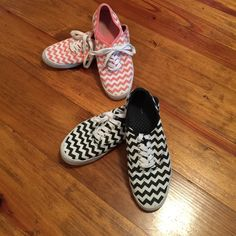 2 Pairs of Chevron Sneakers Size 5.5 2 Pairs of Chevron Coral & White Black & White City Sneakers Size 5.5 in good condition will wash before shipping out trade value 40.00 They are similar to Keds I wear a size 6 & 6.5 and these fit great City Sneakers Shoes Sneakers