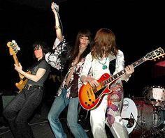 Lez Zeppelin! Because chicks can rock, too.