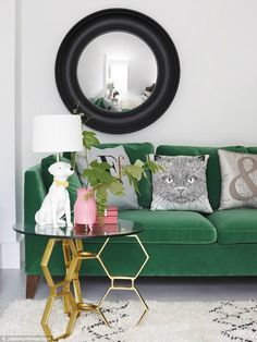 76 Exciting Emerald Green Sofa Designs For Living Room Interior Green Sofa, Interior, Sofa Design, Green Sofa Design, Home Decor, House Interior, Green Velvet Sofa, Home And Living, Cozy Living Rooms