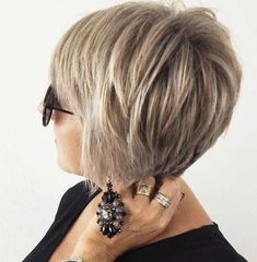 Short Bob Haircuts for 2018 Chic Short Bob Haircuts for Bob hairstyles are increasingly being loved by many women all over the world.Chic Short Bob Haircuts for Bob hairstyles are increasingly being loved by many women all over the world. Layered Bob Hairstyles, Short Bob Haircuts, Modern Haircuts, Modern Hairstyles, Short Hairstyles For Women, Hairstyles Haircuts, Cool Hairstyles, 2018 Haircuts, Haircut Bob