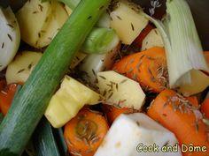 Un bouillon de légumes gourmandise, à boire délicieusement à petites gorgée ... ou à utiliser dans diverses préparations !