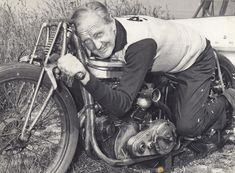 New Zealander Burt Munro and his record holding Indian