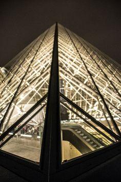 Louvre, Paris by @kali_story