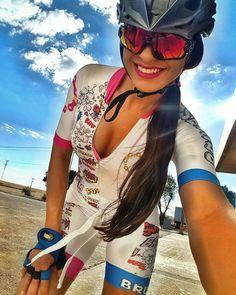 """1,371 Likes, 15 Comments - ¿Quieres ser EMBAJADORA? (@chicas.ciclistas) on Instagram: """"@lua_c - """"Desfrute cada momento da sua vida, e tenha ótimos motivos para sorrir e agradecer."""" A…"""""""