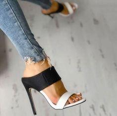 33318a09967ca Ideas de zapatos para ti  estaesmimodacom  zapatos  botas  tacon  calzado  Zapatos