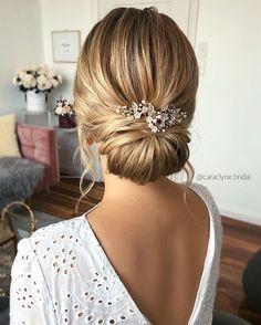 Wedding Hair And Makeup, Wedding Updo, Wedding Hair Accessories, Hair Makeup, Elegant Wedding Hairstyles, Bridal Bun, Bridal Hair Updo Elegant, Wedding Hairstyles Long Hair, Curled Updo Hairstyles