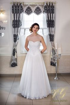 Suknia ślubna nr 8 z kolekcji Lumiere #victoriagabriela #weddingdress