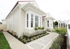 Cush and Nooks: The Block Villa Wars | Front Yard & The Winners