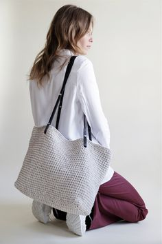Carrie On Tote | Crochet | woolandthegang.com