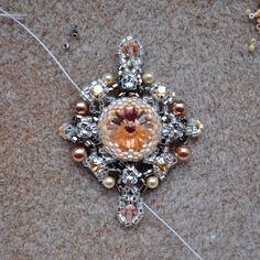 Закулисье серьги Brooch, Beads, Earrings, Handmade, Jewelry, Mk1, Brooch Pin, Beading, Ear Rings