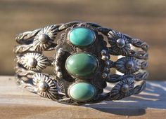 Vintage Sterling Turquoise Bracelet Navajo Cuff Green Turquoise ~
