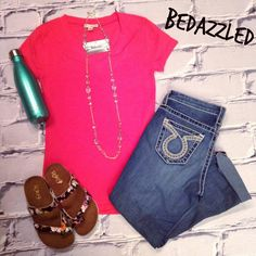 Stop in for this cute new outfit! Pink Tee $8.99 (small-large) Big Star Capris $128 Floral Sandals $18.99 Necklace $16.99 17oz S'well Bottle $36.99 #bedazzledokc #boutique #okc #shopbedazzled