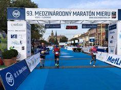"""Am 2. Oktober hat ein Team bestehend aus Angestellten der CTR group und ihren Kollegen von VSH Development am """"Medzinárodný maratón mieru"""" in Košice teilgenommen. 6 Staffel-Teams welche unser Projekt Rezidencia pri radnici repräsentierten nahmen am Wettbewerb teil, wobei das beste Team die Marathonstrecke in der ausgezeichneten Zeit von 4:07:51 bewältigt hat. Die Vorbereitung auf das anspruchsvolle Sportevent verlief in einer netten und stilvollen Kneipe in Košices Zentrum. My Town, Cement, Transportation, Real Estate, Life, Centre, Real Estates, Concrete"""