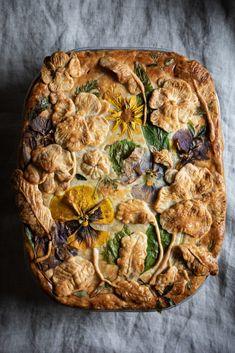 Garden pie - leek and potato - twigg studios Garden pie - leek and potato Potato Pie, Potato Recipes, Savoury Recipes, Potato Gardening, Baking Recipes, Healthy Recipes, Healthy Food, Wild Garlic, Creamy Cheese