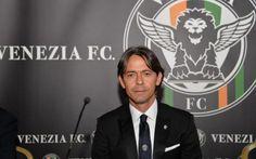 notte da Champions di Inzaghi: festa al Tardini come un gol al Camp Nou Sfida serale, in mezzo alla settimana. Salendo le scale che portano al terreno di gioco del Tardini Filippo Inzaghi, per un istante, ha sorriso. Ha lasciato da parte la concentrazione per la sfida di #inzaghipippo