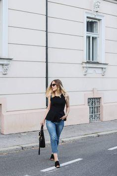 tifmys – Top: Vero Moda | Jeans: Cos | Mules: H&M | Bag: Zara | Bracelet and sunnies: Céline