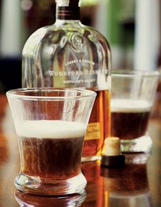 This Kentucky coffee recipe calls for bourbon, strongly brewed joe, cream, and sugar. It's a variation on Irish coffee, which is made with whiskey. Coffee Cream, Coffee Type, Coffee Shop, Black Coffee, Coffee Cocktails, Cocktail Drinks, Alcoholic Drinks, Cocktail Recipes, Beverages