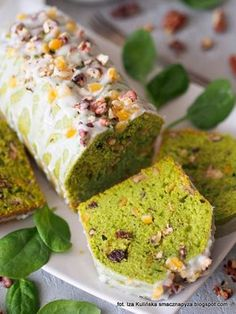 Spinach Cake, Sweet Recipes, Cake Recipes, Vegetarian Recipes, Cooking Recipes, Sweets Cake, Baked Goods, Bakery, Good Food